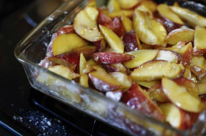peach crumble, peach, peaches, sweets, sweet, dessert, food, foodie, foodist, blog, food blog, blogger, the brooklyn cook, brooklyn, cook, cooking, bake, baking, baker, recipe, recipes,