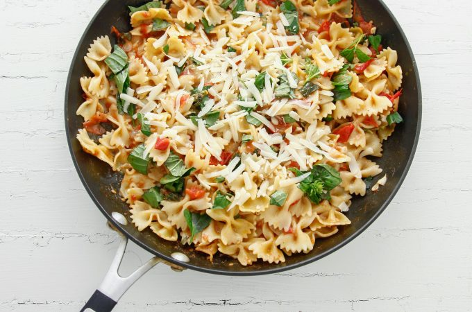 One Pan Bruschetta Pasta