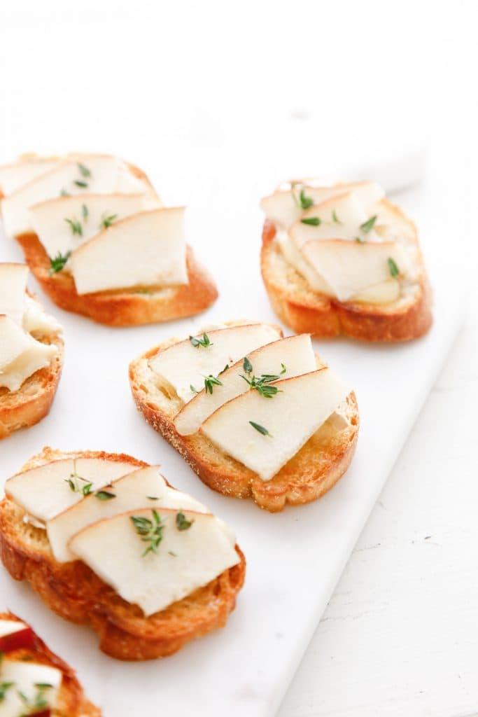 camembert-and-pear-crostini_-9